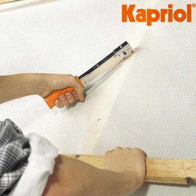 Fissatrice a martello graffette metalliche per membrane freni barriere vapore strutture in legno